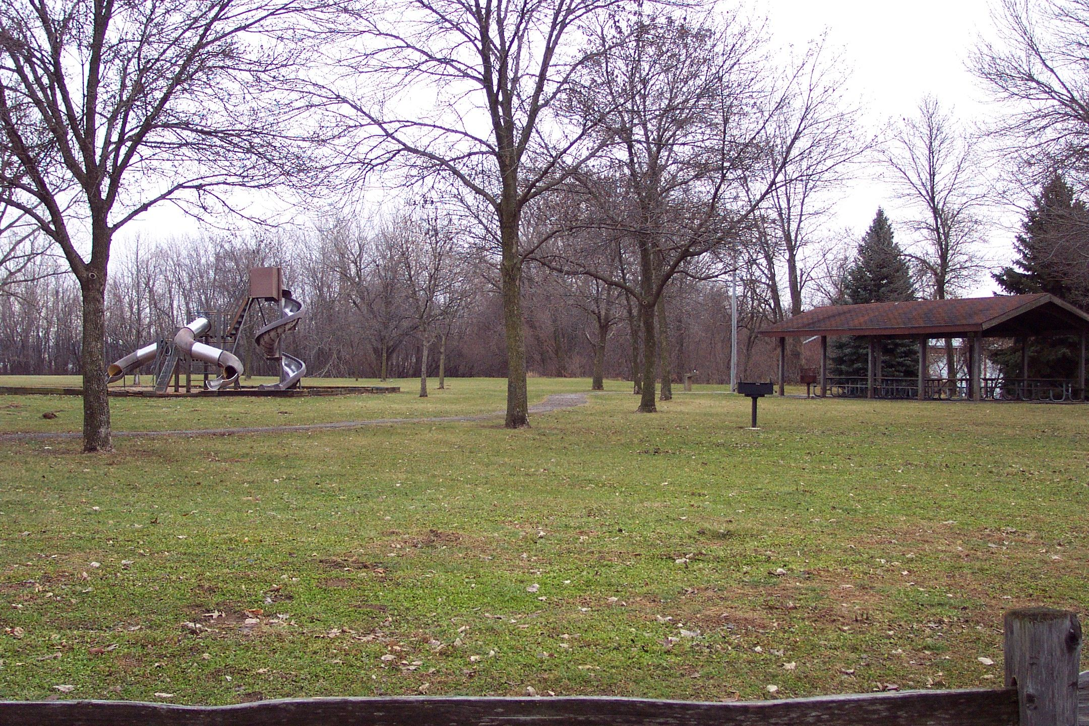Greenspace and playground at Hasselroth Park